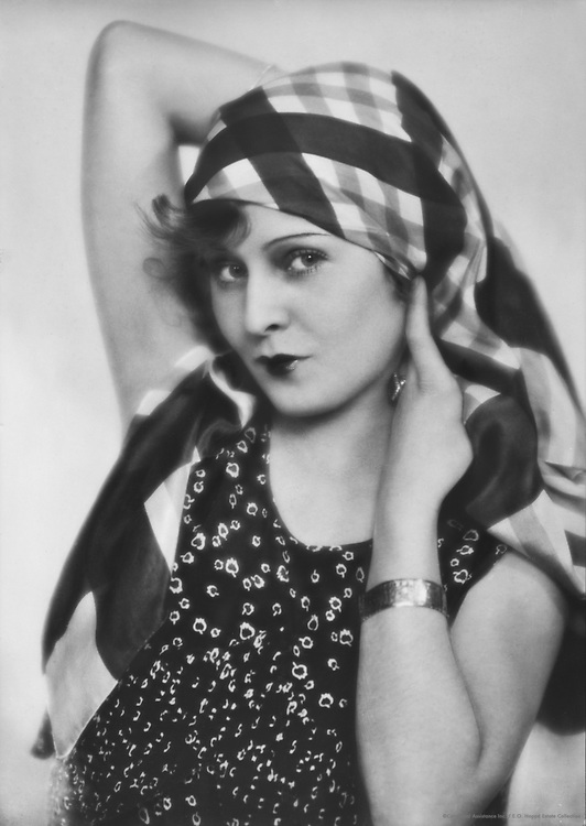 Lilian Harvey, actress and singer, 1928