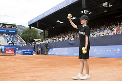 July 29, 2017 - Gstaad, Schweiz - 29.07.2016, Gstaad, Tennis, Swiss Open Gstaad 2017, Feature Ballboy  (Credit Image: © Pascal Muller/EQ Images via ZUMA Press)