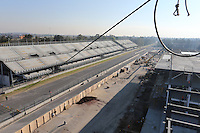 Pitlane and start/finish straight. <br /> Autodromo Hermanos Rodriguez Circuit Visit, Mexico City, Mexico. Thursday 22nd January 2015.