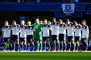 Everton players observe a minute's applause for Tom Finney before the Barclays Premier League match at Stamford Bridge, London<br /> Picture by David Horn/Focus Images Ltd +44 7545 970036<br /> 22/02/2014