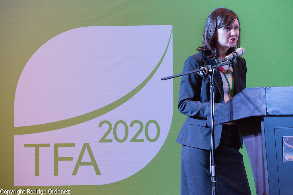 Emily Roynestad, Director of Business Development at Anthrotect, presents during a knowledge exchange session on the landscape approach at the General Assembly of the Tropical Forest Alliance 2020 in Jakarta, Indonesia, on March 11, 2016. Her presentation focused on community-driven carbon offsetting at the Chocó-Dari&eacute;n Conservation Corridor in Colombia. <br /> (Photo: Rodrigo Ordonez)