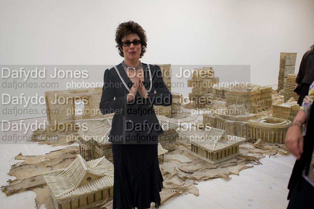 RUBY WAX, The Revolution Continues: New Art From China. The opening of the New Saatchi Gallery. King's Rd.  London. 7 October 2008. *** Local Caption *** -DO NOT ARCHIVE-© Copyright Photograph by Dafydd Jones. 248 Clapham Rd. London SW9 0PZ. Tel 0207 820 0771. www.dafjones.com.