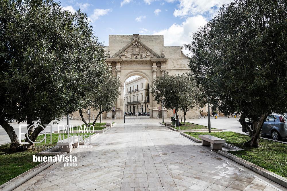 Emiliano Albensi<br /> 20/01/2017 Lecce (LE)<br /> Lecce<br /> Nella foto: l'Arco di Trionfo, comunemente chiamato Porta Napoli, una delle tre porte di accesso al centro storico di Lecce<br /> <br /> Emiliano Albensi<br /> 20/01/2017 Lecce<br /> Lecce<br /> In the picture: Triumphal Arch (Arco di Trionfo), commonly called &quot;Neapolitan Gate&quot; (Porta Napoli)  which is one of the three gates to enter Lecce's historical city centre