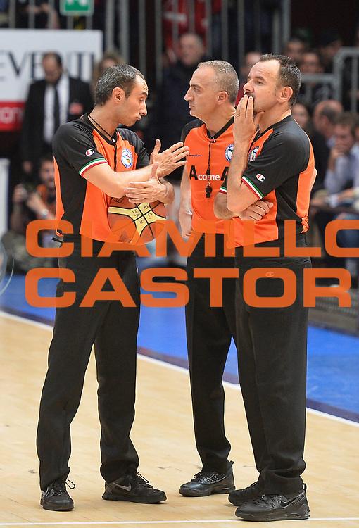 DESCRIZIONE : Cantu' campionato serie A 2013/14 Pallacanestro Cantu' Giorgio Tesi Group Pistoia <br /> GIOCATORE :<br /> CATEGORIA : arbitro referee<br /> SQUADRA :<br /> EVENTO : Campionato serie A 2013/14<br /> GARA : Pallacanestro Cantu' Giorgio Tesi Group Pistoia<br /> DATA : 13/10/2013<br /> SPORT : Pallacanestro <br /> AUTORE : Agenzia Ciamillo-Castoria/R. Morgano<br /> Galleria : Lega Basket A 2013-2014  <br /> Fotonotizia : Cantu' campionato serie A 2013/14 Pallacanestro Cantu' Giorgio Tesi Group Pistoia <br /> Predefinita :