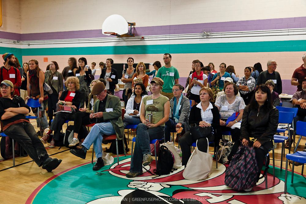 Over 200 participants in Sustain Ontario's City To Country tours gather at Lawrence Heights Community Centre on Thursaday, September 22, 2011.