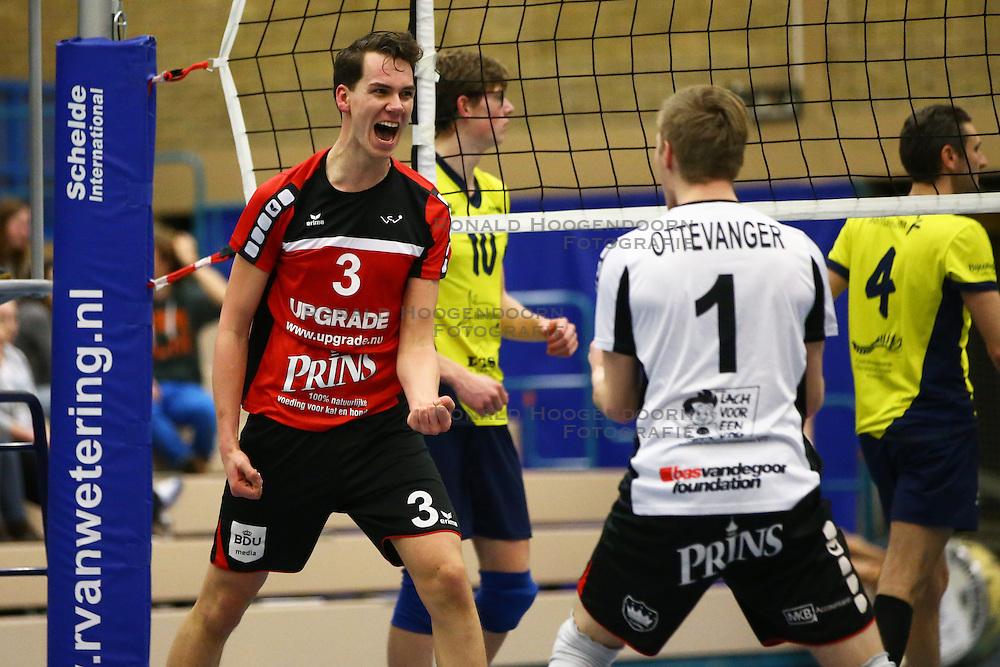 20160130 NED: Volleybal: Inter Rijswijk - Prins VCV, Rijswijk <br />Sander Heithuis of VCV viert een punt.