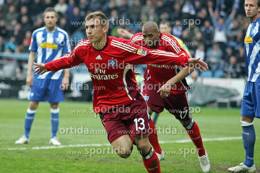 11.04.2010,  Rewirpowerstadion, Bochum, GER, 1.FBL, Vfl Bochum vs Hamburger SV, 30. Spieltag, im Bild: Torjubel nach dem 0:1 durch Robert Tesche (Hamburg #13). Jerome Boatend (Hamburg #17) jubelt mit. EXPA Pictures © 2010, PhotoCredit: EXPA/ nph/  Mueller