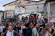 Roma 7 Maggio 2015<br /> Manifestazione contro lo sgombero e la distruzione dello spazio sociale occupato SCUP. I manifestanti hanno poi deciso di occupare un nuovo spazio, in via della stazione Tuscolana.<br /> Rome May 7, 2015<br /> Demonstration against the eviction and destruction of the social space occupied SCUP. The protesters then decided to occupy a new space, in the Tuscolana station.