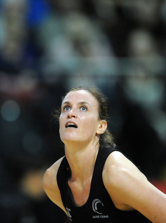 New Zealand's Leana de Bruin against England in the Quad Series netball, TSB Arena, Wellington, New Zealand, Thursday, October 25, 2012. Credit:SNPA / Ross Setford