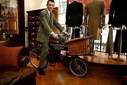 UK ENGLAND LONDON 15JAN09 - Mark, the bicycle courier on his delivery vehicle at The Huntsman tailors in Saville Row, central London. Established in 1849, the Huntsman has been located at the legentary Saville Row since 1919...jre/Photo by Jiri Rezac..© Jiri Rezac 2009