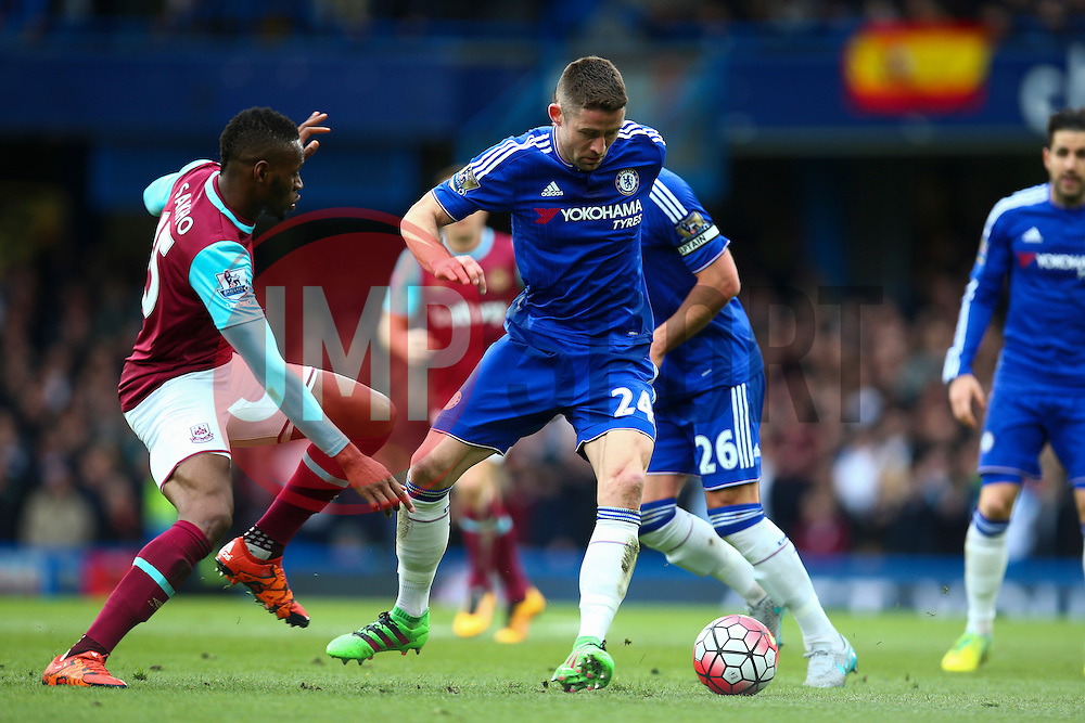 Gary Cahill of Chelsea in action - Mandatory byline: Jason Brown/JMP - 19/03/2016 - FOOTBALL - London, Stamford Bridge - Chelsea v West Ham United - Barclays Premier League