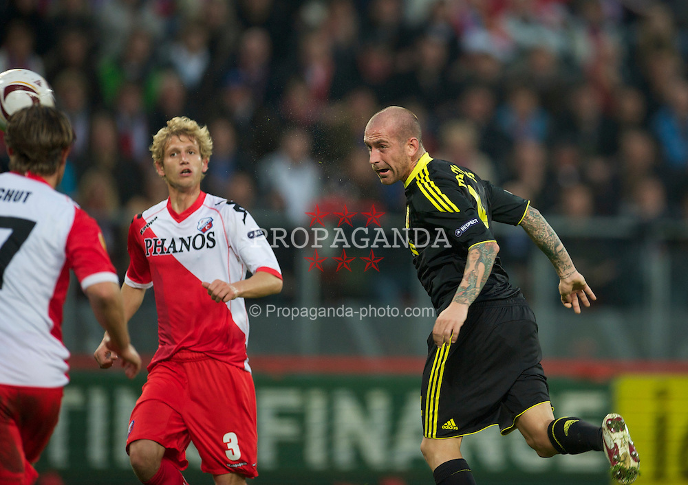 UTRECHT, THE NETHERLANDS - Thursday, September 30, 2010: Liverpool's Raul Meireles sees his header saved against FC Utrecht during the UEFA Europa League Group K match at the Stadion Galgenwaard. (Photo by David Rawcliffe/Propaganda)