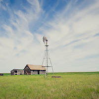 abandon farm on the prairie of montana conservation photography - montana wild prairie