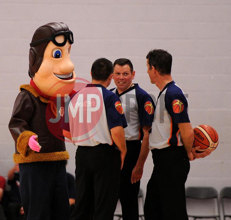 - Photo mandatory by-line: Paul Knight/JMP - Mobile: 07966 386802 - 10/10/2015 - BASKETBALL - SGS Wise Arena - Bristol, England - Bristol Flyers v Newcastle Eagles - British Basketball League