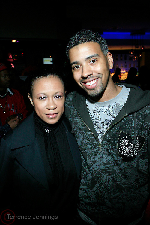 Kim J. Ford and Eddie Blackmon at R & B Live featuring Vocalist sensations Peter Hadar and Estelle at Spotlight Live on May 20, 2008 in New York City