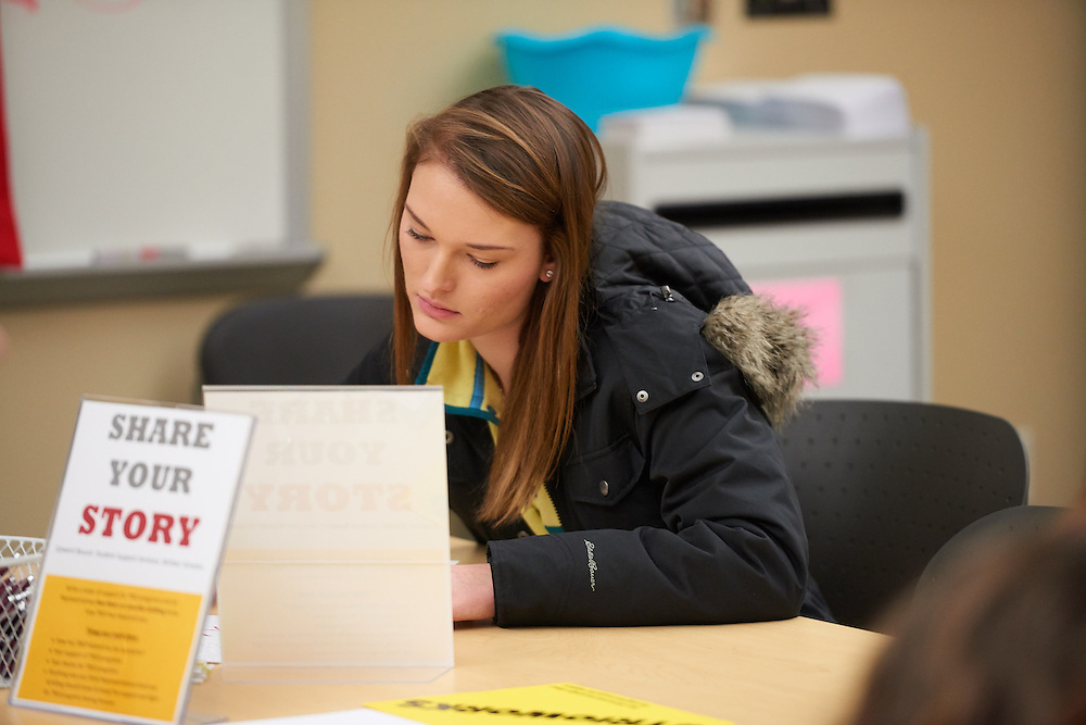 Activity; Studying; Talking; Buildings; Centennial; Location; Inside; People; Woman Women; Student Students; Type of Photography; Candid; UWL UW-L UW-La Crosse University of Wisconsin-La Crosse; Winter; February; TRIO Student Support Services