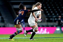 Poppy Cleall of England passes the ball - Mandatory by-line: Robbie Stephenson/JMP - 04/02/2017 - RUGBY - Twickenham - London, England - England v France - Women's Six Nations
