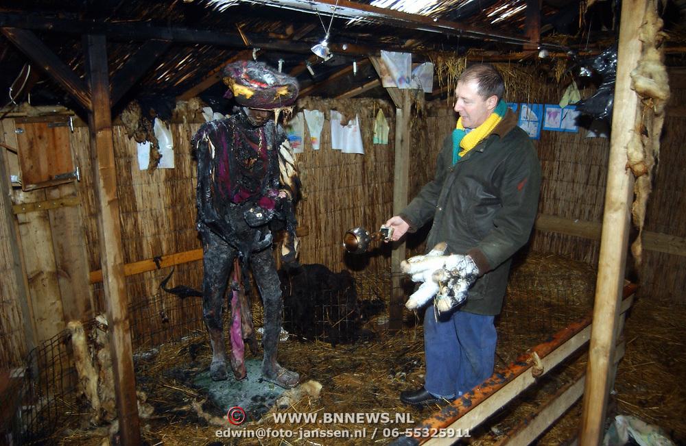 Kerststal Kombuis Huizen door brand verwoest