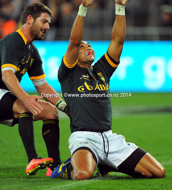 South Africa player Cornal Hendricks scores a try during the Rugby Championship Rugby Union Test Match New Zealand All Blacks v South Africa. Westpac Stadium, Wellington, New Zealand. Saturday 13 September 2014. Photo: Chris Symes/www.photosport.co.nz