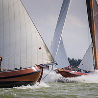SKS Skûtsjesilen op het IJsselmeer bij Stavoren