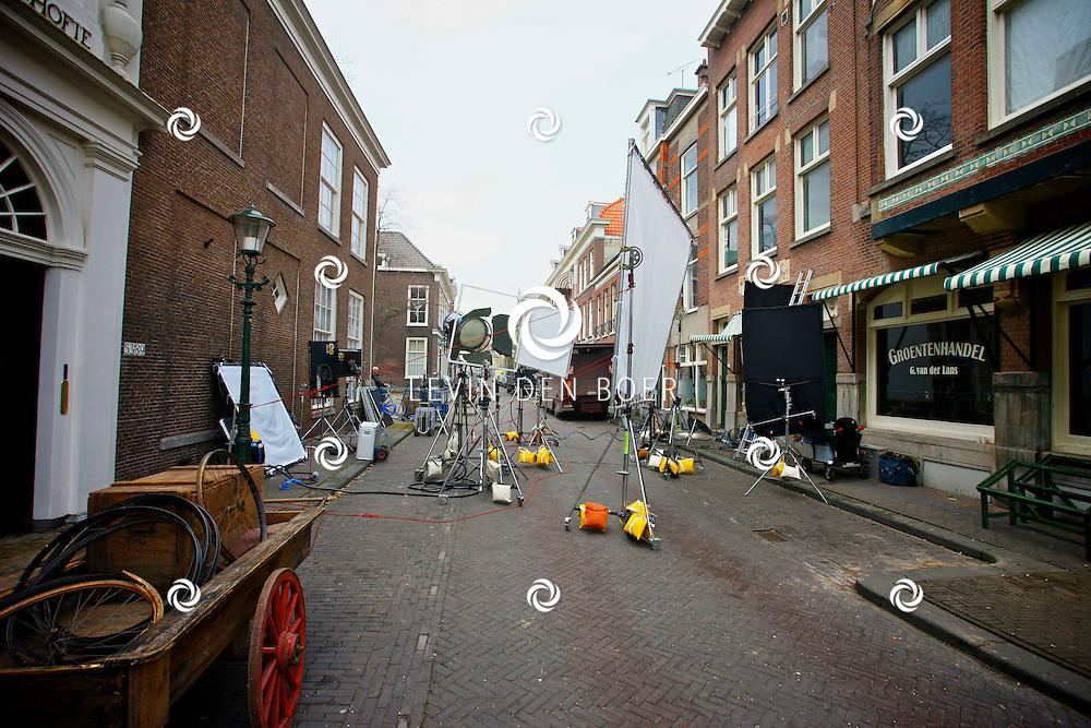 DEN HAAG - In de oude straten van Den Haag zijn ze een nieuwe film aan het opnemen genaamd Sonny Boy naar het boek van Annejet van der Zijl. Met op de foto  de Filmset van Sonny Boy. FOTO LEVIN DEN BOER / PERSFOTO.NU