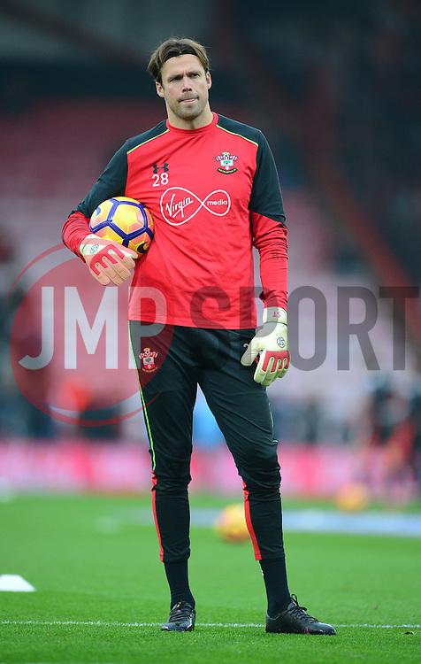 Stuart Taylor of Southampton  - Mandatory by-line: Alex James/JMP - 18/12/2016 - FOOTBALL - Vitality Stadium - Bournemouth, England - Bournemouth v Southampton - Premier League