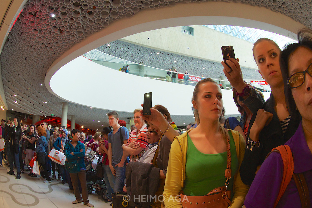 Vienna, Austria. Grand Opening of The Mall at Vienna's Wien Mitte railway station. H & M (Hennes & Mauritz) grand opening.