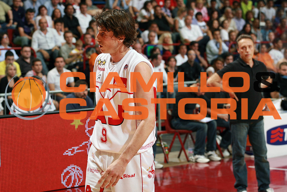 DESCRIZIONE : Milano Lega A 2008-09 Playoff Semifinale Gara 3 Armani Jeans Milano Angelico Biella<br /> GIOCATORE : Marco Mordente<br /> SQUADRA : Armani Jeans Milano<br /> EVENTO : Campionato Lega A 2008-2009 <br /> GARA : Armani Jeans Milano Angelico Biella<br /> DATA : 02/06/2009<br /> CATEGORIA : Delusione<br /> SPORT : Pallacanestro <br /> AUTORE : Agenzia Ciamillo-Castoria/S.Ceretti