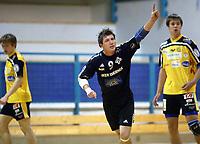 Håndball, 11. desember 2002. Eliteserien, Gildeserien herrer, Kragerø - Stord 25-32. Børge Brown, Strod, jubler.