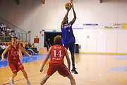 DESCRIZIONE : Borgosesia Torneo di Varallo Lega A 2011-12 EA7 Emporio Armani Milano Novipiu Casale Monferrato<br /> GIOCATORE : Garrett Temple<br /> CATEGORIA :  Tiro<br /> SQUADRA : Novipiu Casale Monferrato<br /> EVENTO : Campionato Lega A 2011-2012<br /> GARA : EA7 Emporio Armani Milano Novipiu Casale Monferrato<br /> DATA : 10/09/2011<br /> SPORT : Pallacanestro<br /> AUTORE : Agenzia Ciamillo-Castoria/A.Dealberto<br /> Galleria : Lega Basket A 2011-2012<br /> Fotonotizia : Borgosesia Torneo di Varallo Lega A 2011-12 EA7 Emporio Armani Milano Novipiu Casale Monferrato<br /> Predefinita :