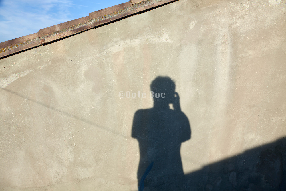photographing shadow on wall