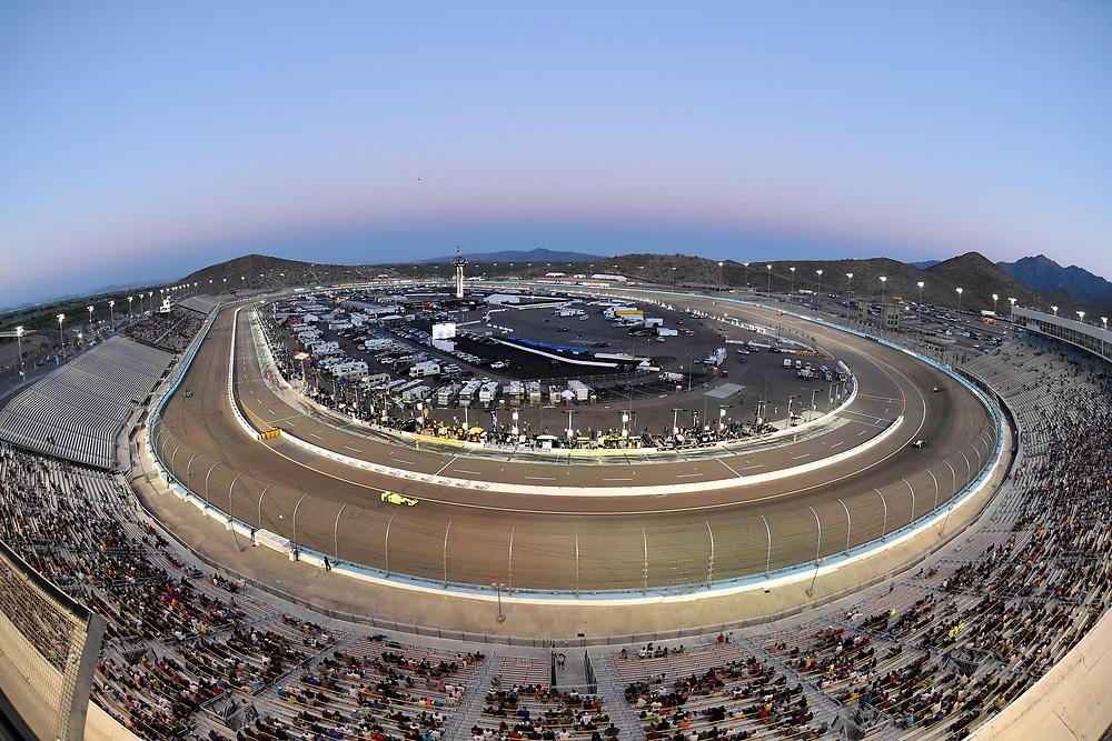 Verizon IndyCar Series<br /> Desert Diamond West Valley Phoenix Grand Prix<br /> Phoenix Raceway, Avondale, AZ USA<br /> Saturday 29 April 2017<br /> Simon Pagenaud, Team Penske Chevrolet<br /> World Copyright: Scott R LePage<br /> LAT Images<br /> ref: Digital Image lepage-170429-phx-4891