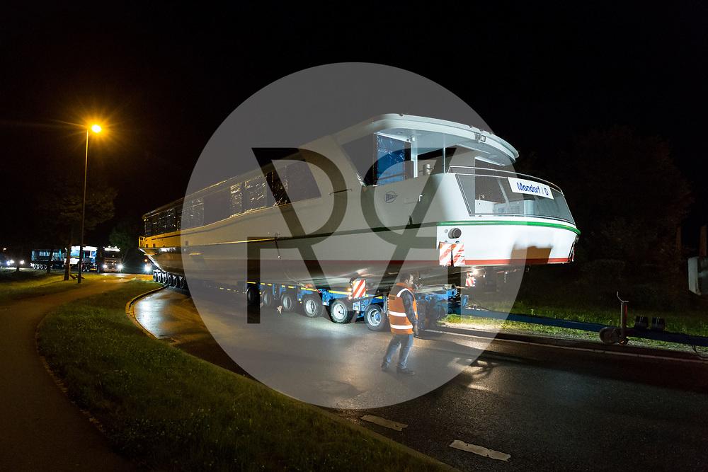 SCHWEIZ - DINTIKON - Transport der MS 2018 an den Hallwilersee - 24. Mai 2018 © Raphael Hünerfauth - http://huenerfauth.ch