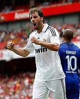 Photo: Richard Lane/Richard Lane Photography. SV Hamburg v Real Madrid. Emirates Cup. 02/08/2008. Real's Ruud Van Nistelrooy celebrates his goal.