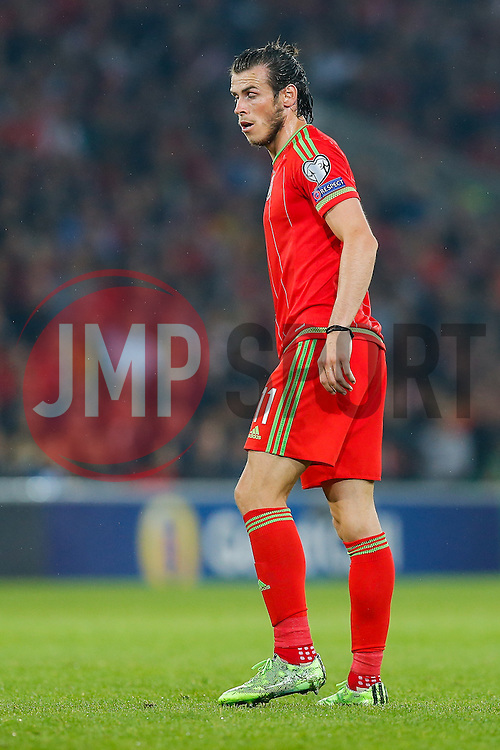 Gareth Bale of Wales (Real Madrid) looks on - Photo mandatory by-line: Rogan Thomson/JMP - 07966 386802 - 12/06/2015 - SPORT - FOOTBALL - Cardiff, Wales - Cardiff City Stadium - Wales v Belgium - EURO 2016 Qualifier.