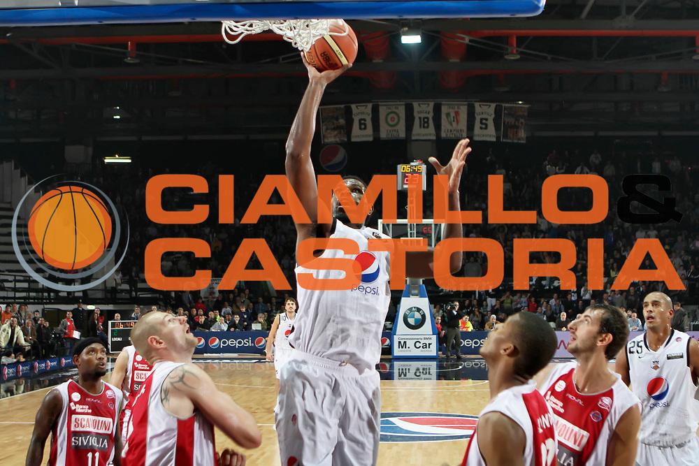 DESCRIZIONE : Caserta Lega A 2010-11 Pepsi Caserta Scavolini Siviglia Pesaro<br /> GIOCATORE : Eric Williams<br /> SQUADRA : Pepsi Caserta<br /> EVENTO : Campionato Lega A 2010-2011<br /> GARA : Pepsi Caserta Scavolini Siviglia Pesaro<br /> DATA : 31/10/2010<br /> CATEGORIA : tiro<br /> SPORT : Pallacanestro<br /> AUTORE : Agenzia Ciamillo-Castoria/A.DeLise<br /> Galleria : Lega Basket A 2010-2011<br /> Fotonotizia : Caserta Lega A 2010-11 Pepsi Caserta Scavolini Siviglia Pesaro<br /> Predefinita :