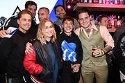 De leden van de Vrienden van Amstel Live tijdens de bekendmaking van de samenwerking met The Flying Dutch voor een eenmalig evenement De Vliegende Vrienden.<br /> <br /> Op de foto:  Lil' Kleine , Douwe Bob , Dre Hazes en Anouk
