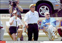 Kirk Douglas Dies At 103 - © Giulio Marcocchi/ABACA. 36052-13. Ojai-CA- USA. 30/06/2002. Catherine Zeta-Jones, Michael Douglas and Kirk Douglas attend The Lexus $1 Million Hole-In-One Contest at the Ojai Valley Inn $ Spa.
