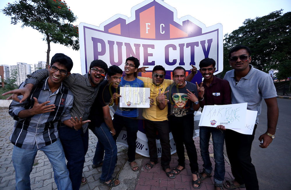 FC Pune City Fans arrive for the match 44 of the Hero Indian Super League between FC Pune City and Atletico de Kolkata FC held at the Shree Shiv Chhatrapati Sports Complex Stadium, Pune, India on the 29th November 2014.<br /> <br /> Photo by:  Sandeep Shetty/ ISL/ SPORTZPICS