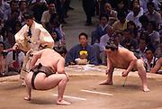 Yokuzuna ranked Mongolian Hakuho (Mönkhbatyn Davaajargal; left), and Ozeki ranked fellow-Mongolian Harumafuji (Davaanyamyn Byambadorj, right) before a bout in the controversial Nagoya summer Grand Sumo Tournament held on the 14th and second final day.