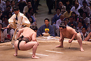 Yokuzuna ranked Mongolian Hakuho (Mönkhbatyn Davaajargal; left), and Ozeki ranked fellow-Mongolian Harumafuji (Davaanyamyn Byambadorj, right) before a bout in the controversial Nagoya summer Grand Sumo Tournament held on the 14th and second final day.