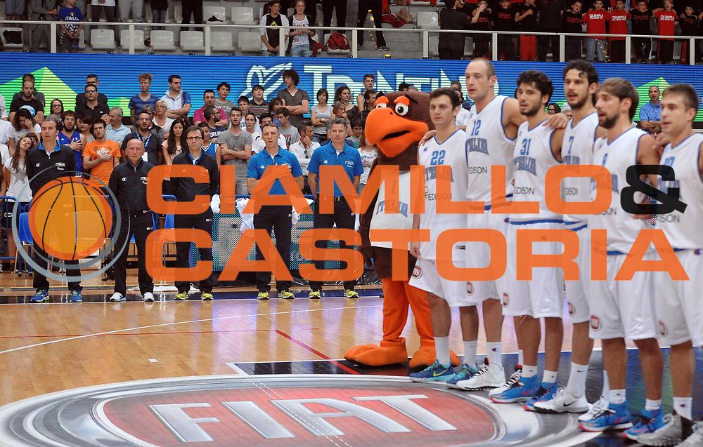 DESCRIZIONE : Trento Nazionale Italia Uomini Trentino Basket Cup Italia Germania Italy Germany<br /> GIOCATORE : team italia<br /> CATEGORIA : curiosita'<br /> SQUADRA : Italia Italy<br /> EVENTO : Trentino Basket Cup<br /> GARA : Italia Germania Italy Germany<br /> DATA : 10/07/2014<br /> SPORT : Pallacanestro<br /> AUTORE : Agenzia Ciamillo-Castoria/A.Scaroni<br /> Galleria : FIP Nazionali 2014<br /> Fotonotizia : Trento Nazionale Italia Uomini Trentino Basket Cup Italia Germania Italy Germany