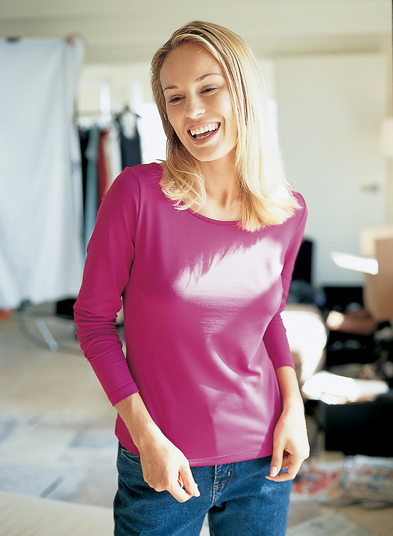 We were shooting fashion photos for Boston Proper in Miami with Luba, as she is having a blast in her pink T-shirt.