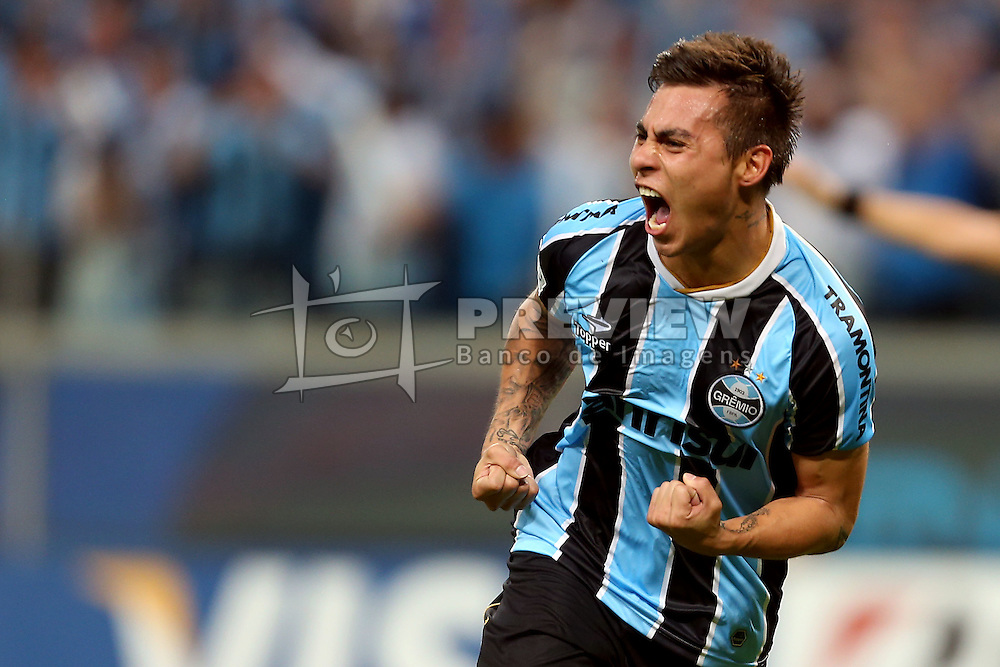 Eduardo Vargas comemora seu gol contra o Santa Fé, da Colômbia, em partida válida pela Copa Libertadores da América 2013. FOTO: Jefferson Bernardes/Preview.com
