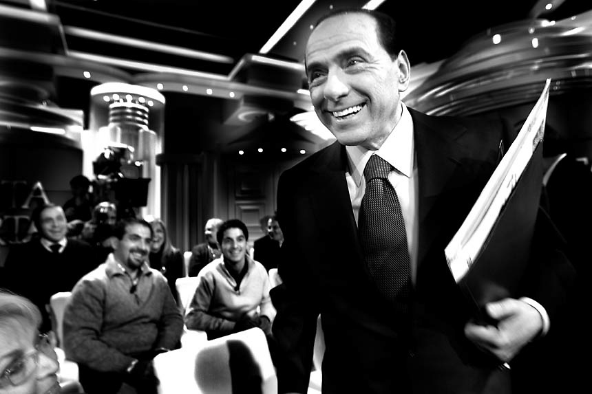 "Italian Prime Minister Silvio Berlusconi arrives at the italian ""RAI"" broadcast studios to join a politic talk show.The italian politics leader made his first TV appereance after 8 months, to draw a balance of his five years government and to welcome the resignation of Bank of Italy Governor Antonio Fazio."