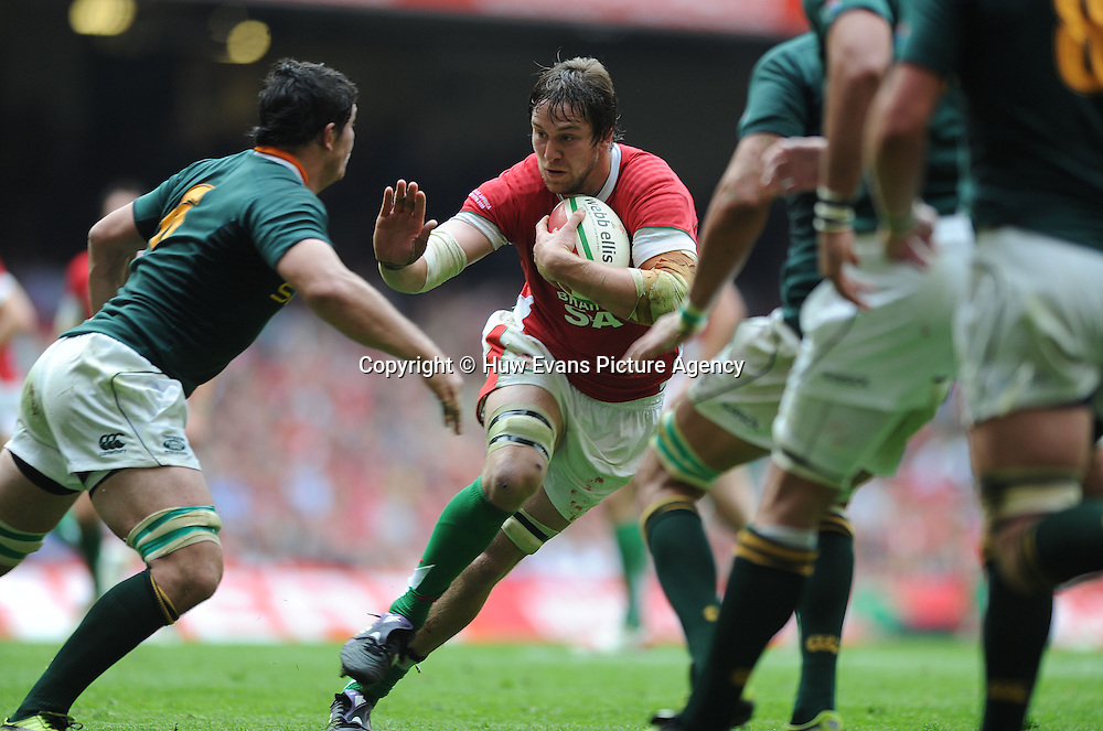 05.06.10 - Wales v South Africa - Principality Building Society Summer Test -<br /> Ryan Jones of Wales takes on Francois Louw of South Africa.<br /> &copy;Huw Evans Picture Agency