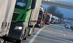 22.03.2018, Grenzübergang, Kufstein, AUT, LKW-Blockabfertigung, im Bild die LKW-Kolonne // during truck block dispatch measurements at the border from Germany to Austria in Kufstein, Austria on 2018/03/22. EXPA Pictures © 2018, PhotoCredit: EXPA/ Jakob Gruber