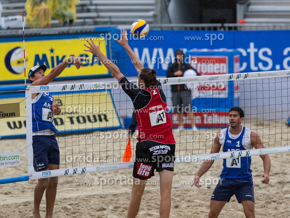 30.07.2014, Klagenfurt, Strandbad, AUT, A1 Beachvolleyball Grand Slam 2014, im Bild Julian Amado AZAAD 1 ARG / Pablo BIANCHI 2 ARG, Daniel Müller 2 AUT /  // during the A1 Beachvolleyball Grand Slam at the Strandbad Klagenfurt, Austria on 2014/07/30. EXPA Pictures © 2014, EXPA Pictures © 2014, PhotoCredit: EXPA/ Mag. Gert Steinthaler