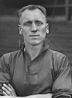 Fotball<br /> Foto: Colorsport/Digitalsport<br /> NORWAY ONLY<br /> <br /> Ernest 'Ernie Hine' - Barnsley Record goalscorer of 123 league goals in his two spells at the club. Also Manchester United 1933.  1936 / 37 season Later became coach at Barnsley.