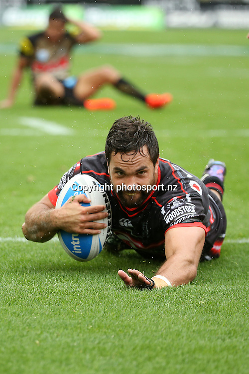 Matthew Allwood scores for the Warriors during the Intrust Premiership match Warriors v Penrith at Mt Smart Stadium on Sunday 4 September 2016. Auckland, New Zealand. © Copyright Photo: Fiona Goodall / www.photosport.nz